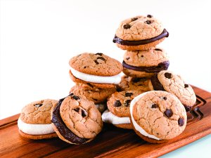 Chocolate Chip Whoopie Pies