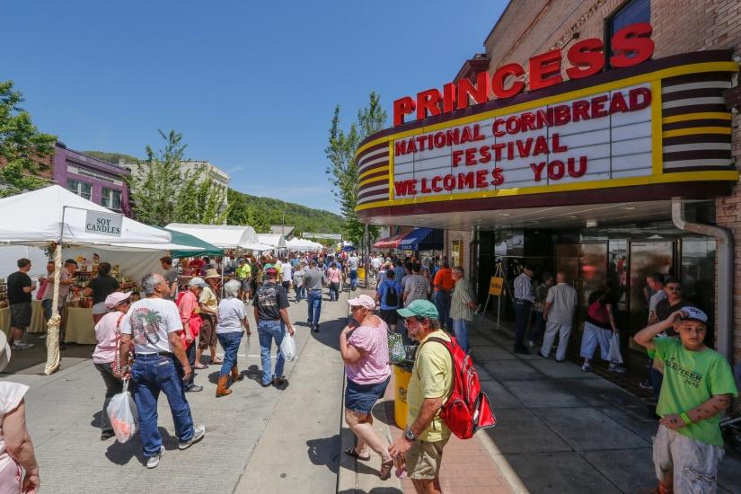 Rhonda Vincent: National CornbreadFestival