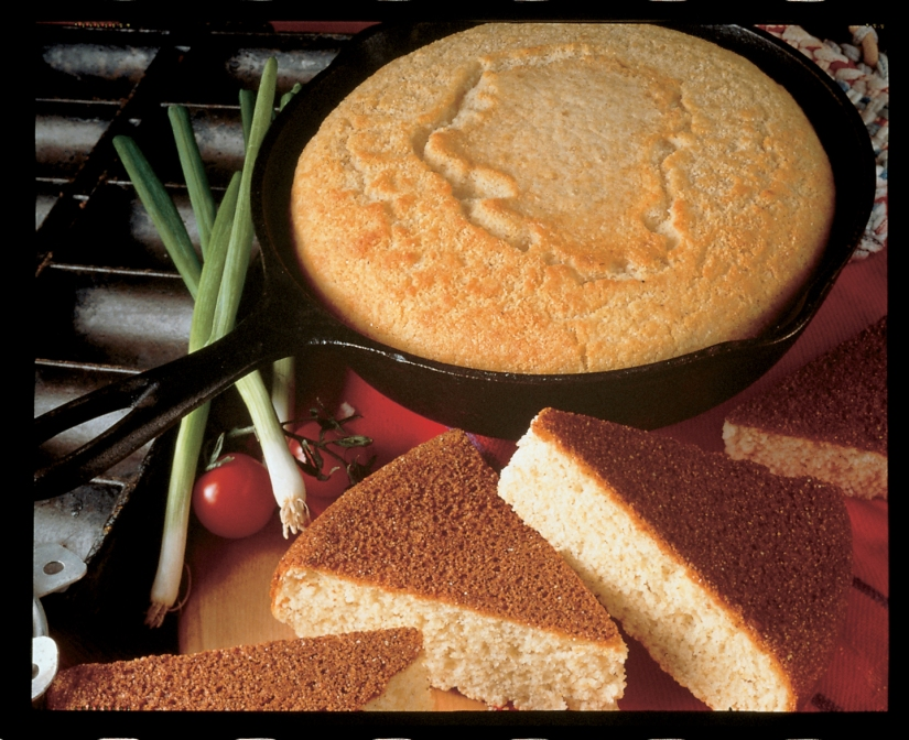 The Joy of Fresh Vegetables and Cornbread