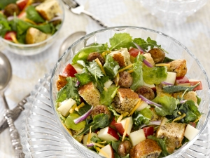 Harvest Apple Cornbread Panzanella