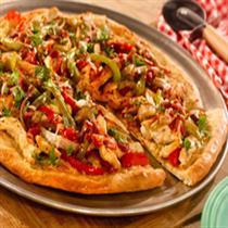 smoky chicken fajita pizza