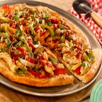 smoky chicken fajita pizza