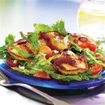 Corn Cake Salad with Mixed Greens and Bacon LOW